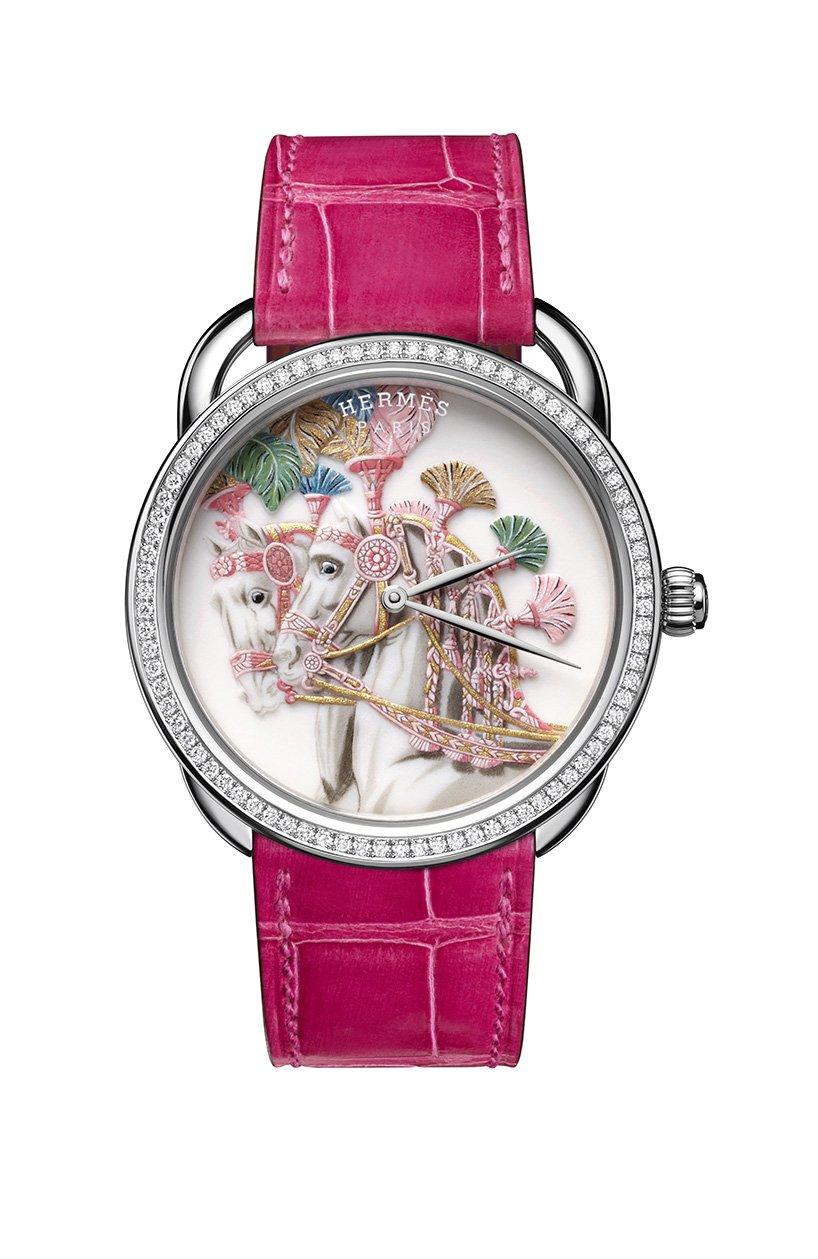 Kézzel festett porcelán luxusórákat dob piacra az Hermès